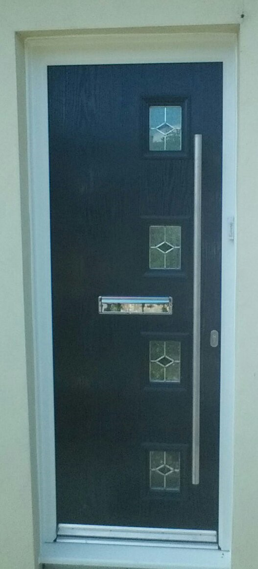 av2 door