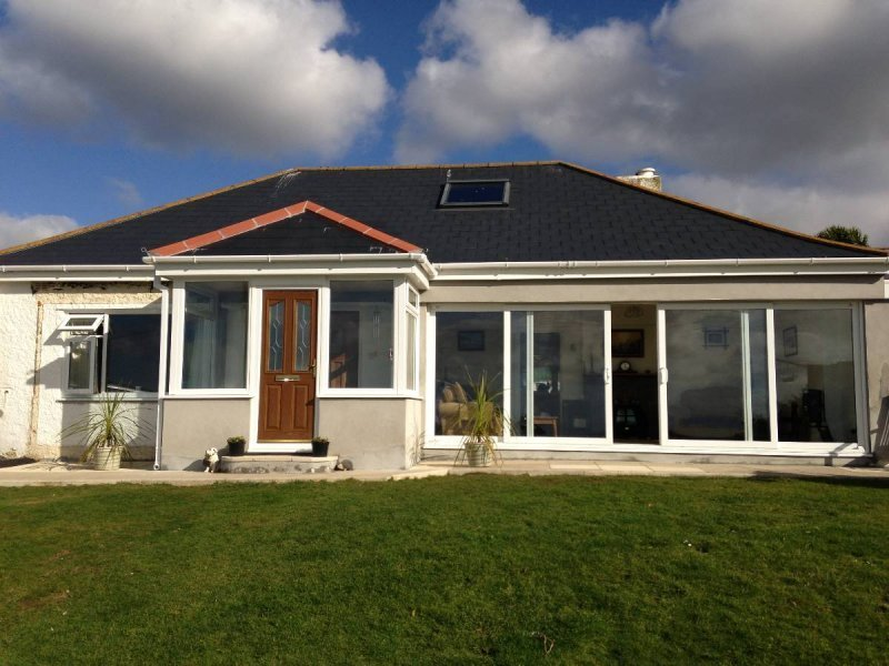 Porch With Tiled Roof And Composite Door 5
