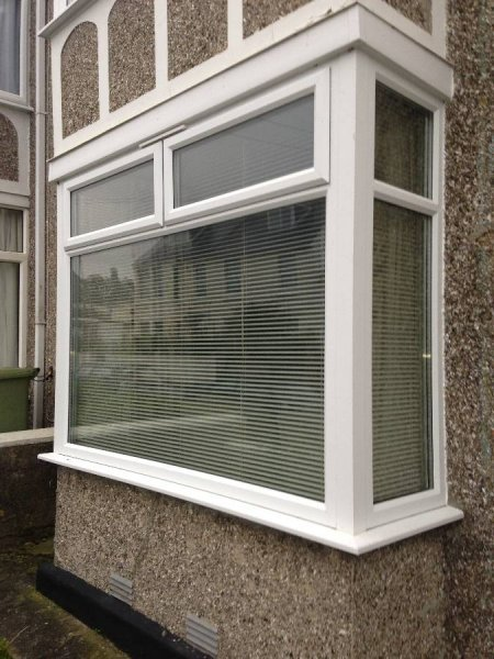 Bay Window In White PVC